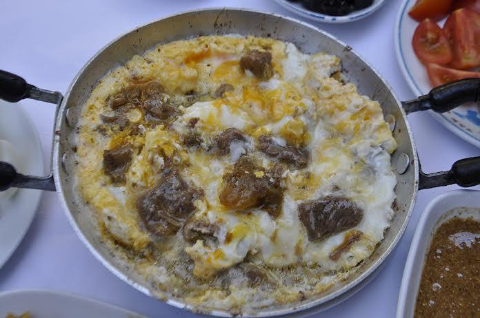 kavurmalc4b1-yumurta